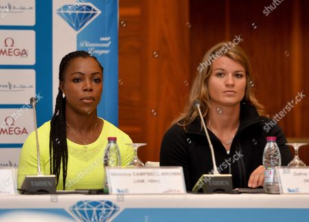 Jamaica's Veronica Campbell-brown (l) and Dutch Dafne Schippers (r) Attend the Press Conference a Day Before the Iaaf Diamond League in Doha Qatar 05 May 2016 the Iaaf Diamond League in Doha Will Take Place on 06 May Qatar Doha
