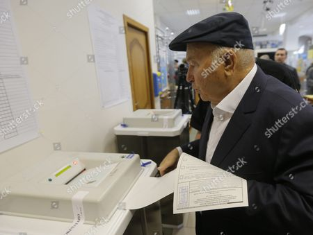 Yury Luzhkov the Former Mayor of Moscow Votes at a Polling Station in Moscow Russia 18 September 2016 Russians Are Called to the Polls on 18 September to Vote For a New State Duma the 450-seat Lower House of the Federal Assembly of Russia Russian Federation Moscow