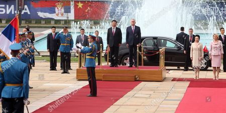 Chinese President Xi Jinping (c-l) and Serbian President Tomislav Nikolic (c-r) Attend the Official Welcoming Ceremony in Front of the Palace of Serbia in Belgrade Serbia Belgrade 18 June 2016 Looking on Are Xi's Wife Peng Liyuan (2-r) and Nikolic's Wife Dragica Nikolic (r) Xi Jinping Arrived For a Three-days State Visit to Serbia Between 17 and 19 June 2016 Serbia and Montenegro Belgrade