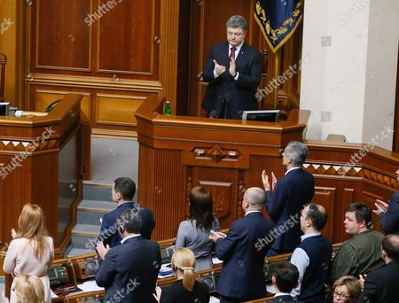 Ukrainian President Petro Poroshenko (c Up) and Lawmakers Applaud During a Session of Ukrainian Parliament in Kiev Ukraine 14 April 2016 the Ukrainian Parliament on 14 April 2016 Appointed Parliament Speaker Volodymyr Groysman to the Post of the Prime Minister of Ukraine After Dismissing Arseniy Yatsenyuk From His Post a Majority of the Ukrainian Lawmakers Earlier Had Accused Yatsenyuk of Being Unable to Combat Corruption and to Introduce Structural Reforms Demanded by the International Community Ukraine Kiev