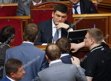 Newly Elected Ukrainian Prime Minister Volodymyr Groysman (c) Speaks to Lawmakers During a Session of Ukrainian Parliament in Kiev Ukraine 14 April 2016 the Ukrainian Parliament on 14 April 2016 Appointed Parliament Speaker Volodymyr Groysman to the Post of the Prime Minister of Ukraine After Dismissing Arseniy Yatsenyuk a Majority of the Ukrainian Lawmakers Earlier Had Accused Yatsenyuk of Being Unable to Combat Corruption and to Introduce Structural Reforms Demanded by the International Community Ukraine Kiev