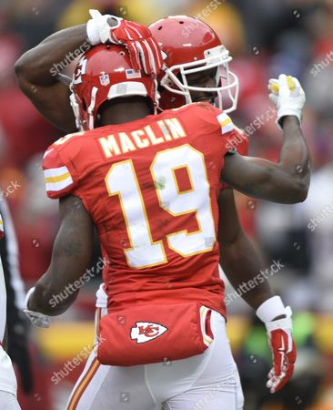 Kansas City Chiefs Player Jeremy Marclin (f) Celebrates a Touchdown with Teammate Jason Avant (b) Against the Cleveland Browns in the First Half of Their Nfl Football Game at Arrowhead Stadium in Kansas City Missouri Usa 27 December 2015 United States Kansas City