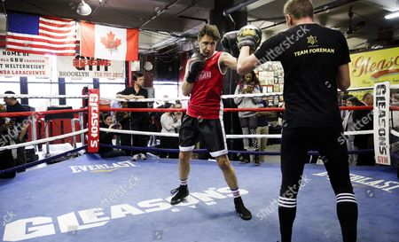 Canadian Prime Minister Justin Trudeau (l) Spars with Yuri Foreman (r) During a Work out at Gleason's Gym in Brooklyn New York Usa 21 April 2016 Trudeau is in New York to Participate in the Formal Signing of the Paris Climate Agreement on 22 April at the United Nations United States Brooklyn