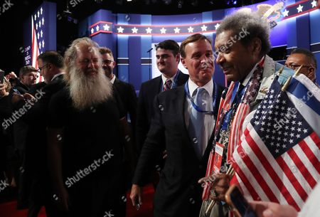 Us Boxing Promoter Don King (r) Before the First Presidential Debate Between Democrat Hillary Clinton and Republican Donald Trump at Hofstra University in Hempstead New York Usa 26 September 2016 the Only Vice Presidential Debate Will Be Held on 04 October in Virginia and the Second and Third Presidential Debates Will Be Held on 09 October in Missouri and 19 October in Nevada United States Hempstead