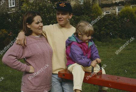 Cy Chadwick (as Nick Bates) and Ruth Whitehead (as Julie Bramhope) (Ep 1808 - 14th October 1993)