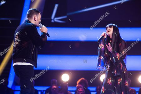 Stock Image of 'The Voice UK' (Ep8) - The Battles: Team Gavin. Truly Ford -v- Hadleigh Ford. They perform Go Your Own Way by Fleetwood Mac.