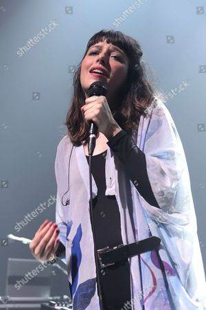 Stock Photo of Mesparrow, Marion Gaume performing