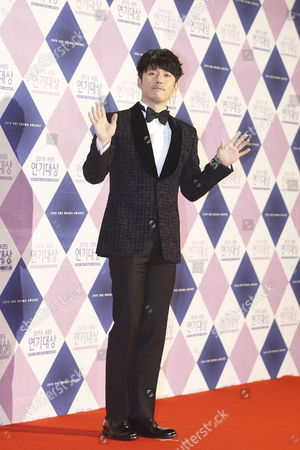 Stock Picture of South Korean Actor Jang Hyuk Arrives For the 2015 Annual Kbs Drama Awards at the Kbs Hall in Seoul South Korea 31 December 2015 the Korean Broadcasting System (kbs) Drama Awards Ceremony Gives a Prize to Actors and Actresses who Have Starred in Dramas Aired on Kbs Networks These Awards Started in 1987 and Have Been Presented Ever Since Korea, Republic of Seoul
