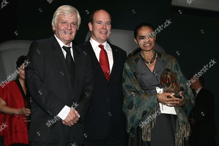 Prince Albert Ii of Monaco (c) Poses with Former Brazilian Minister Marina Silva and Jacques Perrin (l) During the Second Edition of the Prince Albert Ii of Monaco Foundation's Award Ceremony and the World Premiere of the Film Oceans by French Directors Jacques Perrin and Jacques Cluzaud at Grimaldi Forum in Monaco 10 October 2009 Monaco Monaco