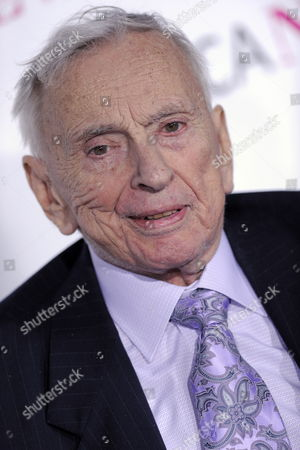 Stock Picture of Us Writer Gore Vidal Arrives For the Museum of Contemporary Art (moca) 30th Anniversary Gala in Los Angeles California Usa 14 November 2009 the Gala and Auction of New Artworks Will Benefit the Museum's Exhibition and Education Programs United States Los Angeles