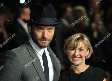 British Actor Jude Law (l) Poses with Sandra Hebron (r) Artistic Director of the British Film Institute As He Arrives For the European Film Premiere of '360' on the Opening Night Gala of the 55th Bfi London Film Festival at the Odeon Leicester Square in London Britain 12 October 2011 the Movie by Brazilian Director Fernando Meirelles Opens the Festival That Runs to 27 October United Kingdom London