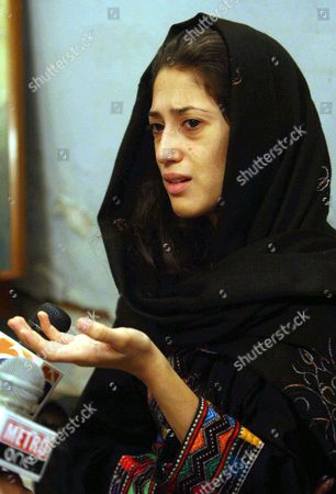 Fatima Bhutto Grand-daughter of Begum Nusrat Bhutto the Mother of Slain Former Prime Minister Benazir Bhutto Talks to Journalists Following the Death of Nusrat Bhutto in Larkana Pakistan 24 October 2011 Reports State That Nusrat Bhutto the Mother of Slain Former Prime Minister Benazir Bhutto Widow of Former Prime Minister Zulfiqar Ali Bhutto and Mother-in-law of Current Pakistani President Asif Zardari Died in Dubai on 23 October After a Long Illness Nusrat Bhutto Has Been in Failing Health Following a Stroke and the Onset of Alzheimers Disease Epa/rehan Khan Pakistan Larkana