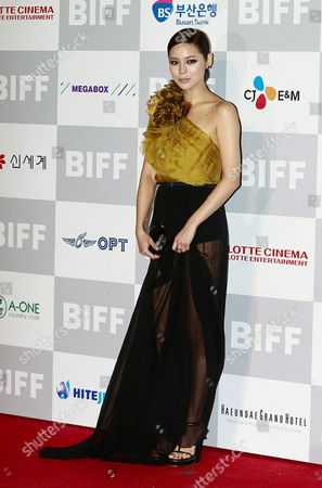 South Korean Actress Park Si-yeon Arrives at the Opening Ceremony of the 16th Busan International Film Festival (biff) Plaza in Busan South Korea 06 October 2011 the Biggest Film Festival in Asia Showcases 307 Films From 70 Countries From 06 to 14 October in Busan Korea, Republic of Busan