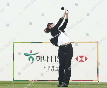 A Picture Made Available on 10 October 2011 Shows Paige Mackenzie of the Usa Watch Her Tee Shot During the Final Round of the Lpga Hana Bank Championship 2011 Golf Tournament at Sky 72 Club Ocean Course in Incheon South Korea on 09 October 2011 Korea, Republic of Incheon