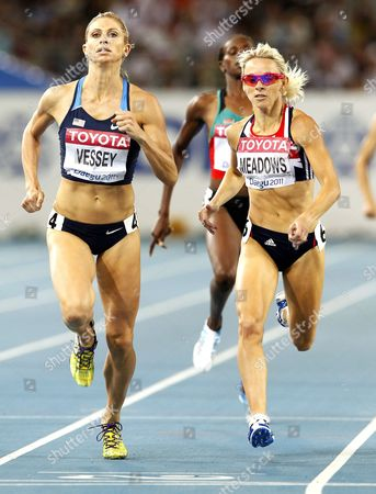 Jennifer Meadows (r) of Britain and Maggie Vessey (l) of the Us Compete in the Women 800m Semi Final During the 13th Iaaf World Championships in Daegu Republic of Korea 02 September 2011 Korea, Republic of Daegu