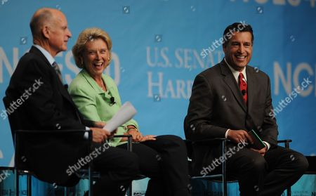 California Governor Jerry Brown (l) Laughs with Washington Governor Christine Gregoire (c) and Nevada Governor Brian Sandoval (r) During the Western Governor's Panel on Energy at the National Clean Energy Summit 4 0: the Future of Energy in Las Vegas Nevada Usa on 30 August 2011 the Energy Summit Brings Together Leaders in the Scientific Energy Environmental and Political Arenas to Exchange Ideas and Promote Sustainable Economical Clean Energy Efforts Products and Projects United States Las Vegas