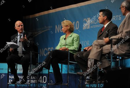 California Governor Jerry Brown (l) Makes Comments As Washington Governor Christine Gregoire (2l) Nevada Governor Brian Sandoval (2r) and Moderator John Podesta (r) Listen During the Western Governor's Panel on Energy at the National Clean Energy Summit 4 0: the Future of Energy in Las Vegas Nevada Usa on 30 August 2011 the Energy Summit Brings Together Leaders in the Scientific Energy Environmental and Political Arenas to Exchange Ideas and Promote Sustainable Economical Clean Energy Efforts Products and Projects United States Las Vegas