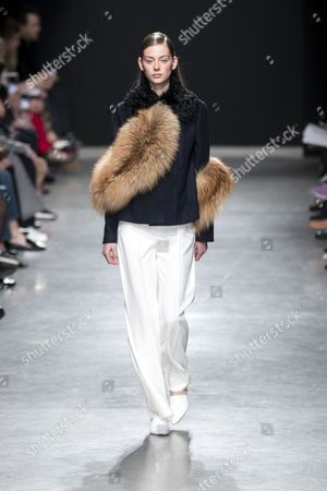 A model presents a creation from the Fall/Winter 2017/18 Ready to Wear collection by US designer Adam Andrascik for Guy Laroche during the Paris Fashion Week, in Paris, France, 01 March 2017. The presentation of the Women's Ready to Wear collections runs from 28 February to 07 March.