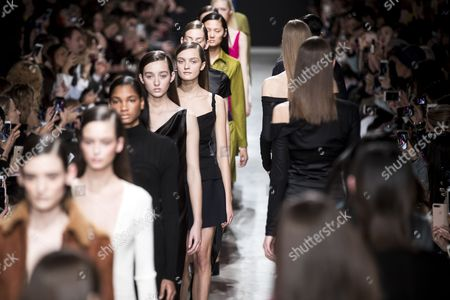 Models present creations from the Fall/Winter 2017/18 Ready to Wear collection by US designer Adam Andrascik for Guy Laroche during the Paris Fashion Week, in Paris, France, 01 March 2017. The presentation of the Women's Ready to Wear collections runs from 28 February to 07 March.