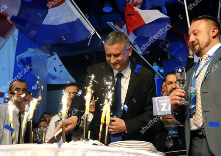 Opposition's Leader Tomislav Karamarko (c) of the Croatian Democratic Union (hdz) Celebrates the Party's Victory in Downtown Zagreb Croatia 08 November 2015 the Conservative Hdz Won 59 Seats in the 151-seat Parliament Against the 55 of Prime Minister Zoran Milanovic's Social Democratic Party (sdp) Croatian People Voted in the Parliamentary Election to Elect New Authorities For the Next Four Years Croatia Zagreb