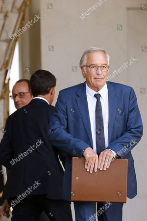 French Labor Minister Francois Rebsamen Leaves the Elysee Palace Following the Cabinet Meeting in Paris France 02 September 2015 France Paris