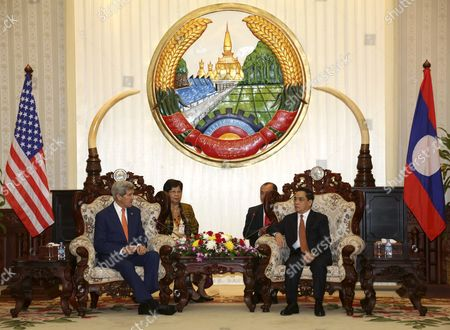 Us Secretary of State John Kerry (l) Talks with Laos Prime Minister Thongsing Thammavong (r) During Their Meeting at the Government House in Vientiane Laos 25 January 2016 Kerry is the Third Us Secretary of State in Six Decades to Visit Laos Aimed to Strengthening the Two Countries Bilateral Relations Lao People's Democratic Republic Vientiane