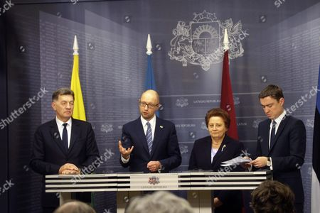 Lithuanian Prime Minister Algirdas Butkevicius (l-r) Prime Minister of Ukraine Arseniy Yatsenyuk Latvian Prime Minister Laimdota Straujuma and Estonian Prime Minister Taavi Roivas During a Press Conference After Meeting in Riga Latvia 05 November 2015 Heads of Government of Ukraine and the Baltic States Discussed Strengthen Baltic-ukrainian Collaboration Solidarity and Joint Counteraction to the Russian Aggression Against Ukraine As Well As the Development of Political Economic and Humanitarian Cooperation Between Baltic States and Ukraine Latvia Riga