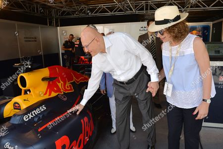 Lebanese Prime Minister Tammam Salam (l) with His Wife Lama (r) Visit the Formula 1 Car Preparations Site During the First Round of Beirut Cultural Festival in Beirut Lebanon 22 May 2016 the Formula 1 Show Will Be Held at Beirut Water Front on 22 May by Spanish Car Racer Carlos Junior the Festival Runs From 17 to 22 May Lebanon Beirut