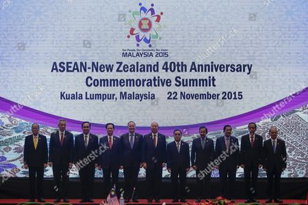 Asean Countries Leaders (l-r) Philippines President Benigno Aquino Iii Singapore Prime Minister Lee Hsien Loong Thailand Prime Minister Prayut Chan-o-cha Vietnam Prime Minister Nguyen Tan Dung New Zealand Prime Minister John Key Malaysia Prime Minister Najib Razak Laos Prime Minister Thongsing Thammavong Brunei Sultan Hassanal Bolkiah Cambodia Prime Minister Hun Sen Indonesia President Joko Widodo Myanmar President Thein Sein Pose For Photograph at the Asean - New Zealand 40th Anniversary Commerative Summit During the 27th Asean Summit in Kuala Lumpur Malaysia 22 November 2015 Malaysia is Hosting the 27th Asean Summit a Meeting Between Asean Member Countries and Its Three Dialogue Partners China Japan and Korea As Well As a Meeting of the East Asia Summit (eas) Forum Malaysia Kuala Lumpur