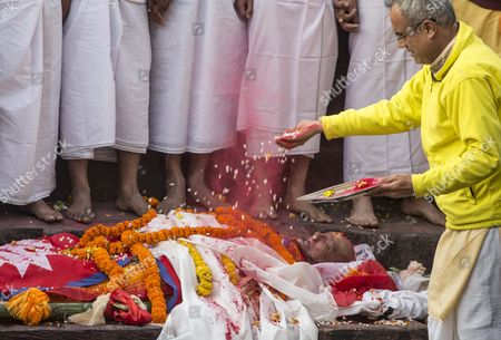 A Hindu Priest Performs a Ritual Before Cremation of Late Nepalese Prime Minister Sushil Koirala at Pashupati Cremation Center in Kathmandu Nepal 10 February 2016 Former Prime Minister and Nepali Congress President Sushil Koirala Passed Away on 09 February 2016 at the Age of 76 Succumbing to Pneumonia According to Local News Reports Nepal Kathmandu