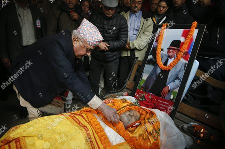 Nepalese Prime Minister Khadga Prasad Sharma Oli (l) Pays His Last Tribute to Late Nepalese Prime Minister Sushil Koirala at His Private Residence in Kathmandu Nepal 09 February 2016 Former Prime Minister and Nepali Congress President Sushil Koirala Passed Away on 09 February 2016 at the Age of 76 Succumbing to Pneumonia According to Local News Reports Nepal Kathmandu