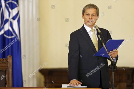 Romanian New Prime Minister Dacian Ciolos During the Swearing in Ceremony at the Presidential Palace in Bucharest Romania 17 November 2015 Ciolos 46 who Served As Eu Agriculture Commissioner Since 2010 was Nominated As Prime Minister by Romania's President Klaus Iohannis After Victor Ponta Resigned to Form a Technocratic Governemnt to Rule the Country Until Elections Next Year Romania Bucharest