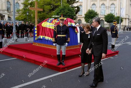 Prince Radu of Romania and His Wife Princess Margareta of Romania Daugter of Romania's Former King Michael and Queen Anne Walk Past by the Flag-drapped Coffin of Late Queen Anne of Romania During the Funeral in Front of the Royal Palace Now the Art Museum of Romania in Bucharest Romania 13 August 2016 Anne Wife of Romania's Former King Michael Died Aged 92 in a Hospital in Switzerland on 01 August 2016 Born Princess Anne of Bourbon-parma She Met Michael in 1947 and Married Him in 1948 Romania Bucharest