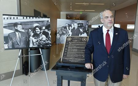 Farris Rookstool Iii a Historian and Former Fbi Agent who Served As the Offiical Expert on the Assassination of President John F Kennedy Talks About the Bronze Marker with a Timeline That Will Be Placed at Love Field Airport Indicating the Location where Vice President Lyndon B Johnson Took the Oath of Office to Become President at Love Field Airport Will Be Installed in Dallas Texas Usa 03 September 2015 Lyndon B Johnson Became the Thirty Sixth President of the United States After John F Kennedy was Assassinated in Dallas Texas United States Dallas