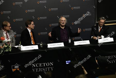 British Professor of Physics F Duncan Haldane (c) Speaks at a Press Conference After Winning the Nobel Prize in Physics in Princeton New Jersey Usa 04 October 2016 the Royal Swedish Academy of Sciences in Stockholm Announced the Nobel Prize in Physics Winners British-born Scientists David Thouless Duncan Haldane and Michael Kosterlitz the Academy Cited Their 'Theoretical Discoveries of Topological Phase Transitions and Topological Phases of Matter ' United States New York