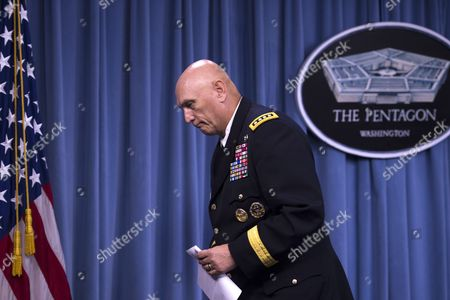 Stock Image of The 38th Us Army Chief of Staff General Ray Odierno Walks Away From the Podium After Responding to Questions During a Press Conference at the Pentagon in Arlington Virginia Usa 12 August 2015 During His Final Press Conference General Odierno Reflected on His Tenure As Army Chief of Staff and on Challenges Facing the Army United States Arlington