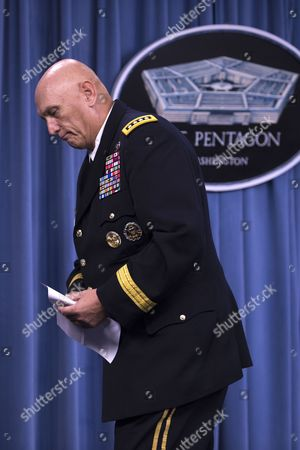 The 38th Us Army Chief of Staff General Ray Odierno Walks Away From the Podium After Responding to Questions During a Press Conference at the Pentagon in Arlington Virginia Usa 12 August 2015 During His Final Press Conference General Odierno Reflected on His Tenure As Army Chief of Staff and on Challenges Facing the Army United States Arlington