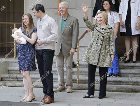 Former Us President Bill Clinton (2-r) Chelsea Clinton (l) Carrying Her New Baby Aidan Clinton Mezvinsky Her Husband Mark Mezvinsky (2-l) and Us Democratic Presidential Candidate Hillary Clinton (r) Leave Lenox Hill Hospital in New York New York Usa 20 June 2016 Their Son was Born on 18 June United States New York