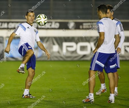 Maxi Rodriguez (l) in Action During a Training Session of the Argentina National Soccer Team at the Estadio Vasco Da Gama in Rio De Janeiro Brazil 12 July 2014 Argentina Will Face Germany in the Fifa World Cup 2014 Final on 13 July 2014 in Rio De Janeiro Brazil Rio De Janeiro