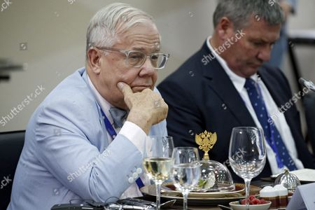 Beeland Interests Inc Chairman Jim Rogers (l) During a Meeting of Russian President Vladimir Putin (not Pictured) with Heads of Foreign Companies and Business Associations on the Sidelines of the 20th St Petersburg International Economic Forum (spief-2016) in St Petersburg Russia 17 June 2016 Russian Federation St. Petersburg