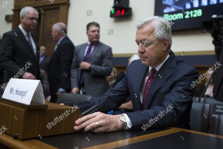 Chairman and Ceo of the Wells Fargo & Company John Stumpf (r) Prepares to Testify Before the House Financial Services Committee Hearing on 'Holding Wall Street Accountable: Investigating Wells Fargo's Opening of Unauthorized Customer Accounts ' Capitol Hill in Washington Dc Usa 29 September 2016 the State Treasurer of California is Suspending Large Parts of the State's Business with Wells Fargo Due to the Scandal Involving Unauthorized Customer Accounts United States Washington