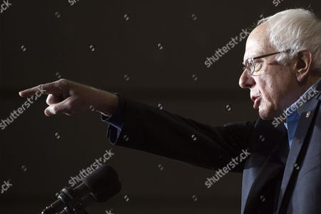 Democratic Presidential Candidate Bernie Sanders Gestures During a Rally at Daniel Webster Community College in Nashua New Hampshire Usa 08 February 2016 the New Hampshire Primary Will Be Held on 09 February 2016 United States Nashua