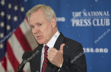 U S Navy Secretary Ray Mabus Delivers Remarks at a Luncheon Address in Which He Spoke on the Budget and Expansion of the Navy Fleet at the National Press Club in Washington Dc Usa 12 October 2016 United States Washington