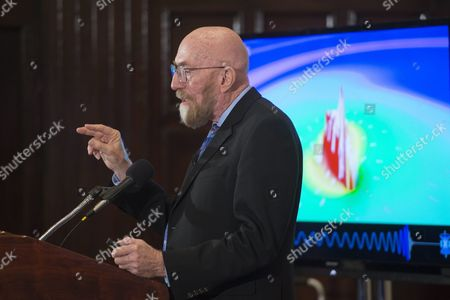 Professor of Theoretical Physics at Caltech Kip Thorne Delivers Remarks on the Discovery of Gravitational Waves During a Press Conference in Washington Dc Usa 11 February 2016 Us Researchers Say They Have Detected Gravitational Waves Which Physicist Albert Einstein First Described 100 Years Ago As 'Ripples in the Fabric of Space-time ' Scientists From Caltech and the Massachusetts Institute of Technology (mit) Made the Announcement in Washington and Other Locations Around the World the Signal Detected with Ligo an Observatory with Sites on Both Sides of the United States was Very Clear and There was No Room For Doubt That It was Direct Evidence of the Waves Said Bruce Allen who is Acting Director at Germany's Max Planck Institute For Gravitational Physics United States Washington