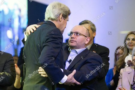 Us Secretary of State John Kerry (l) Embraces Freed 'Washington Post' Journalist Jason Rezaian (r) at an Event Celebrating the New Location of the Washington Post in Washington Dc Usa 28 January 2016 Rezaian who was Freed This Month After 545 Days in an Iranian Prison Thanked His Colleagues For Keeping His Story Alive and Us Diplomats For Seeking His Release at a Ceremony Marking the Opening of the Newspaper's New Offices in Washington Rezaian Thanked His Journalist Colleagues For the 'Lengths You Went to Keep My Story Alive' and Us Secretary of State John Kerry and Diplomat Brett Mcgurk who Negotiated His Release United States Washington