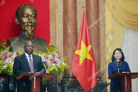 Deputy President of South Africa Cyril Ramaphosa (l) and His Vietnamese Counterpart Dang Thi Ngoc Thinh (r) Speak at a Joint News Conference During Their Meeting at the Presidential Palace in Hanoi Vietnam 03 September 2016 Ramaphosa is on an Official Visit to Vietnam From 03 to 04 October 2016 Viet Nam Hanoi