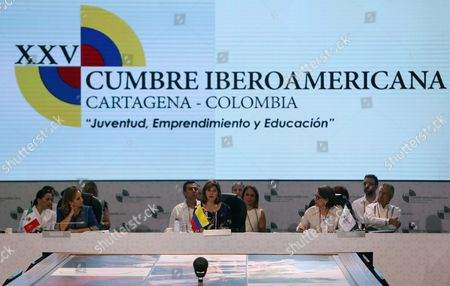 Colombian Foreign Affairs Minister Maria Angela Holguin (c) Talks Next to Iberoamerican General Secretary Rebeca Grynspan (r) and Mexico's Foreign Minister Claudia Ruiz Massieu (l) During the Foreign Affairs Minister Meeting in Cartagena De Indias Colombia 28 October 2016 Colombia Cartagena