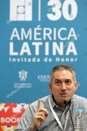 Us Writer James Dashner Attends a Press Conference on the Fifth Day of the 30th Guadalajara International Book Fair (fil) in Guadalajara Mexico 30 November 2016 Dashner Presented His Science Fiction Book 'Codigo C R U E L ' (the Fever Code) Which is a Prequel to His Maze Runner Trilogy Mexico Guadalajara