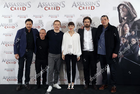 Australian Film Director Justin Kurzel (r-2) Poses For Photos with Cast Actors (l-r) Spanish Actors Carlos Bardem and Javier Gutierrez Irish-german Actor Michael Fassbender French Actress Marion Cotillard and Lebanese Actor Hovik Keuchkerian During the Premiere of the Film 'Assassin's Creed' in Madrid Spain 07 December 2016 the Film Has Been Adapted From the Famous Videogame of the Same Name Spain Madrid