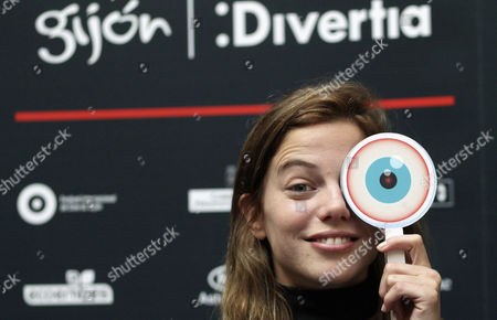 Argentinian Actress Justina Bustos Poses For the Media Prior to the Presentation of the Movie 'Breadcrumbs' at Gijon International Film Festival in Asturias Northern Spain 22 November 2016 the Film Competes in the Official Section of the Festival Spain Gij¾n